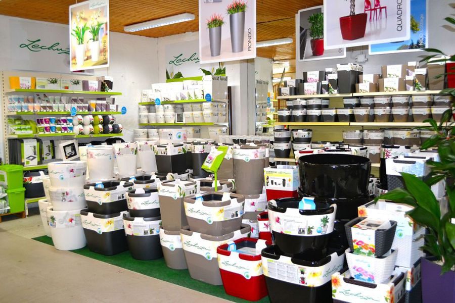 bestehorns markt gartencenter pflanzk bel und pflanzk sten. Black Bedroom Furniture Sets. Home Design Ideas